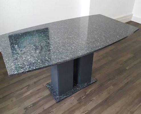 Esstisch aus Granit Modell Nassau