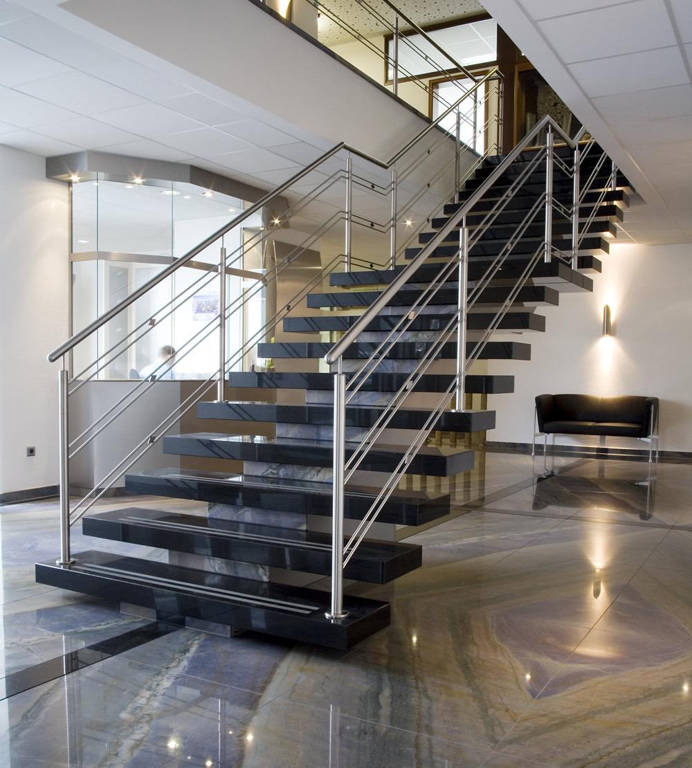 treppen aus naturstein natursteindesign rompf. Black Bedroom Furniture Sets. Home Design Ideas
