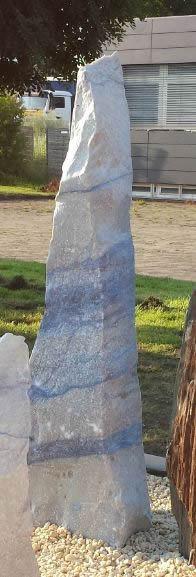 Findling aus Granit Azul do Macaubas