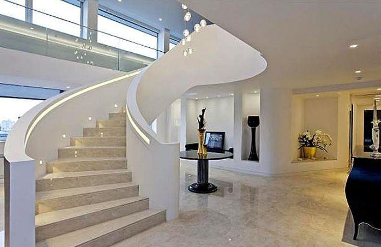 geschwungene Granit Treppe