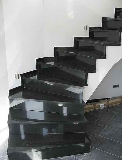 sch ne granit treppen kassel granit und marmortreppen. Black Bedroom Furniture Sets. Home Design Ideas