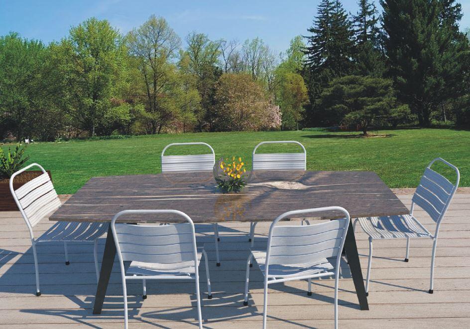 geschwungener Gartentisch mit Granit und Edelstahl