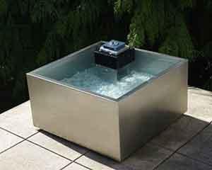 Gartenmöbel online kaufen -Wasserspiel